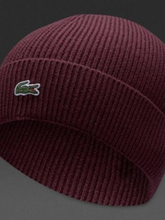 Rode Lacoste muts