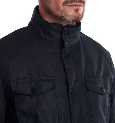 Barbour_heren_jassen_barbour_ogston_wax_jacket_detail_2_blauw